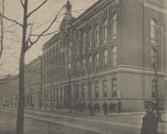 PBK-2005-747 Het gebouw van de Hogere Burger School voor meisjes, gebouwd in 1873, op de hoek van de Witte de ...