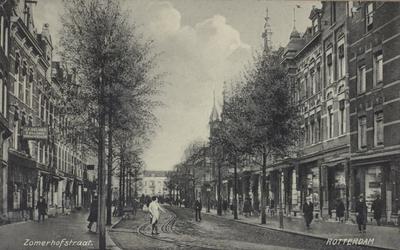 PBK-2005-758 Zomerhofstraat gezien vanaf de Vijverhofstraat, naar de Noordsingel, uit het zuidwesten.