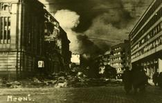 PBK-2005-783 Het door het Duitse bombardement van 14 mei 1940 zwaar beschadigde hoofdpostkantoor aan de Meent en op de ...