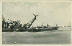 PBK-2007-197 Het bunkeren van kolen aan de westzijde van de Waalhaven.