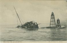 PBK-2008-258 Het wrak van de op 21 februari 1907 verongelukte s.s. Berlin bij de pier van Hoek van Holland.