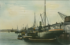 PBK-2008-56 Schepen voor overslag van goederen aan de noordzijde van de Rijnhaven.