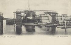 PBK-2049 Schepen liggen in een droogdok aan de Dokhaven.
