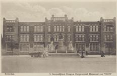 PBK-2315 Gezicht op het monument Van 't Hoff en de Rotterdamse Avondscholengemeenschap, vroeger de Hogere Burgerschool, ...