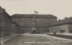 PBK-2368 Het hoofdgebouw van het Zuiderziekenhuis gezien van het binnenterrein, uit het zuidoosten.
