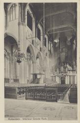 PBK-2446 Het interieur van de Grote Kerk, naar het orgel toe.
