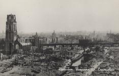 PBK-2473 Puinresten na het bombardement van 14 mei 1940.De Korte Hoogstraat, Steigersgracht en het Hang, met de ...