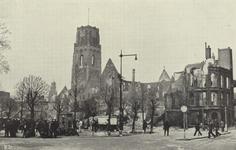 PBK-2479 Puinresten na het bombardement van 14 mei 1940.De Grotemarkt met op de achtergrond de Grote Kerk aan het ...