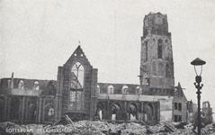 PBK-2482 Puinresten na het bombardement 14 mei 1940.Gezicht op de Grote Kerk aan het Grotekerkplein.