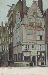 PBK-2510 Hoekhuis 'In Duizend Vreezen' op de Grotemarkt hoek Hang, uit het oosten gezien, afgebroken in het jaar 1890.