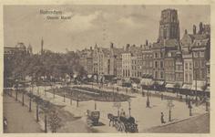 PBK-2518 Grotemarkt vanuit het zuidoosten. Boven de panden steekt de toren van de Sint-Laurenskerk omhoog, in het ...