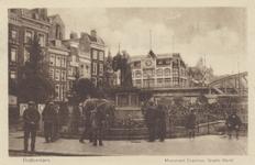 PBK-2575 Grotemarkt, voorheen Steiger, bij het standbeeld van Erasmus vanuit het zuidwesten. Op de achtergrond ...