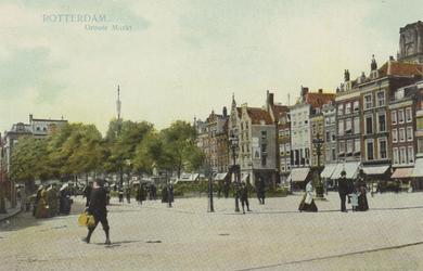 PBK-2600 Grotemarkt vanuit het zuidoosten, rechts panden aan de noordzijde en een gedeelte van de toren van de ...