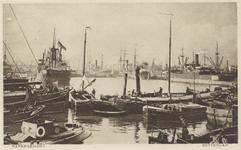 PBK-2717 Schepen in de haven.