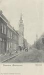 PBK-2767 De Havenstraat met lins de rooms-katholieke Sint-Anthonius Abtkerk en rechts het torentje van het nog ...