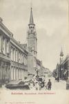 PBK-2769 Gezicht in de de Havenstraat met links de rooms-katholieke Sint-Anthonius Abtkerk en rechts het torentje van ...