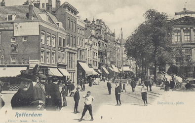 PBK-3037 Gezicht op het Van Hogendorpsplein. Links de Coolsingel en de Boijmansstraat, rechts het Schielandshuis met ...