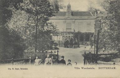 PBK-3065 Gezicht op villa Woudestein aan de Honingerdijk, uit het zuidwesten. De villa lag aan de oostzijde van ...