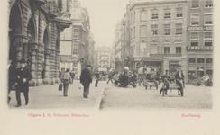 PBK-3075 Hoofdsteeg, uit het zuiden, vanaf de Oudehavenkade. Op de voorgrond links het gebouw Plan C, de Kolkkade en ...