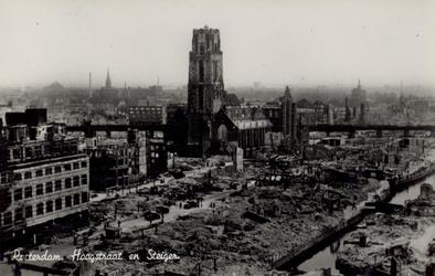 PBK-3159 Gezicht op de door het Duitse bombardement van 14 mei 1940 getroffen Hoogstraat en de bocht van het Steiger, ...