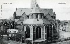 PBK-316 De Grote of Sint-Laurenskerk aan het Grotekerkplein ter hoogte van het kerkkantoor en opzichterswoning, gezien ...