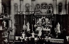 PBK-3174 Huwelijksinzegening in de rooms-katholieke Sint-Laurentiuskerk aan de Houttuin.