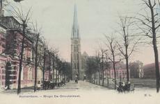 PBK-3177 Hugo de Grootstraat, ter hoogte van de Veemarkt, vanuit het zuiden. Op de achtergrond de rooms-katholieke kerk ...