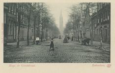 PBK-3181 Hugo de Grootstraat, vanuit het zuiden. Op de achtergrond de rooms-katholieke kerk van de Allerheiligste ...