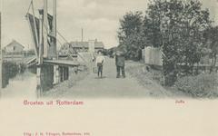 PBK-3204 Overzicht van het Jaffa vanaf de Touwbaanbrug langs de Jaffakade (vanaf 1 juni 1937 Libanonweg ) naar het ...