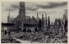 PBK-3273 Gezicht op de door het Duitse bombardement van 14 mei 1940 getroffen Kaasmarkt met op de achtergrond de Grote ...