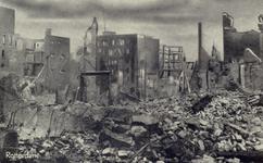 PBK-3275 Gezicht op de door het Duitse bombardement van 14 mei 1940 getroffen Botersloot. Als gevolg van dit ...