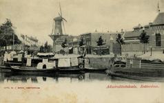 PBK-33 Admiraleitskade gezien uit het zuiden, op achtergrond molen De Noord aan het Oostplein.