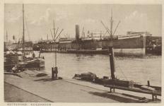 PBK-3327 Diverse schepen in de Keilehaven.