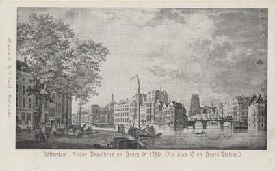 PBK-3343 Gezicht op de Oudehaven met links de Geldersekade. Daarachter de Gapersbrug en de Beurs. Rechts de Kleine ...