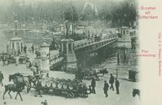 PBK-3472 De Koningsbrug over de Oudehaven, vanaf het Bolwerk. Op de achtergrond rechts het Oudehoofdplein en links de ...
