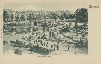 PBK-3473 De Koningsbrug over de Oudehaven, vanuit het zuidwesten. Op de achtergrond rechts hotel Smits aan het ...