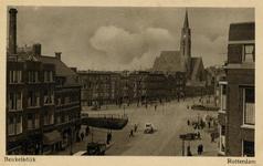 PBK-357 Gezicht op de Beukelsweg links en de Beukelsdijk met Sint-Willebrorduskerk rechts vanaf de Van Cittersstraat. ...