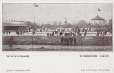 PBK-3650 Mensen op de baan van de IJsclub Kralingen aan de Kralingse Plaslaan.