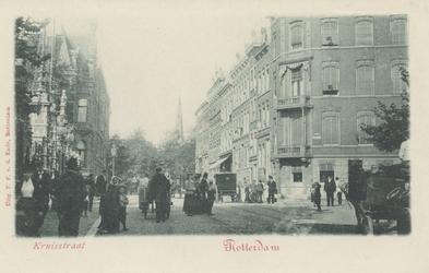 PBK-3797 Kruisstraat, ter hoogte van de ingang van de Rotterdamsche Diergaarde. Rechts de Diergaardelaan, vanuit het zuiden.