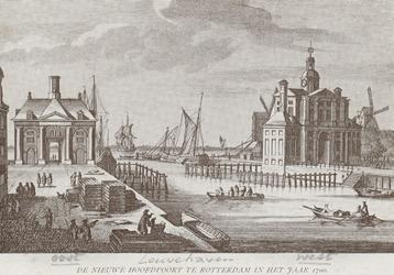 PBK-3892 Leuvehaven met links de Ooster Nieuwe Hoofdpoort en rechts de Wester Nieuwe Hoofdpoort. Op de achtergrond de ...
