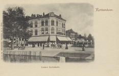 PBK-3998 Linker Rottekade met op de achtergrond het pand van cafe Hollandia op de hoek van de Crooswijksesingel en de ...