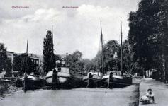 PBK-4 Gezicht op de Achterhaven bij het Piet Heynsplein, uit het zuiden.