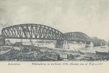 PBK-4136 De spoorbrug vanuit het zuidoosten, daarachter de Willemsbrug in aanbouw.