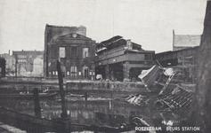 PBK-437 Gezicht op de door het Duitse bombardement van 14 mei 1940 getroffen Beursstation. Als gevolg van dit ...
