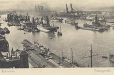PBK-4395 Schepen en graanelevators voor overslag in de Maashaven.