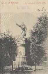 PBK-4404 Standbeeld van de in Delfshaven geboren vlootvoogd Piet Hein aan het Piet Heynsplein.