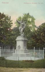 PBK-4410 Het standbeeld van de in Delfshaven geboren vlootvoogd Piet Hein aan het Piet Heynsplein.