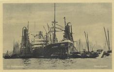 PBK-4453 Het vrachtschip Inhambane met elevators voor de overslag van graan in de Maashaven.