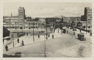PBK-4567 Gezicht op de Mathenesserbrug over de Delfshavense Schie, vanaf de Mathenesserdijk.