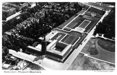 PBK-4606 Luchtopname van Museum Boymans aan de Mathenesserlaan en omgeving, uit het noorden.